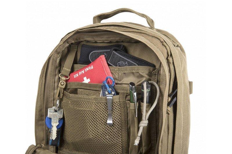 plecak militarny, przegródki z elementami edc
