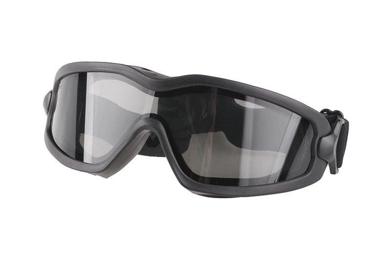 Lunettes de protection sur fond blanc, les lunettes sont une alternative intéressante.